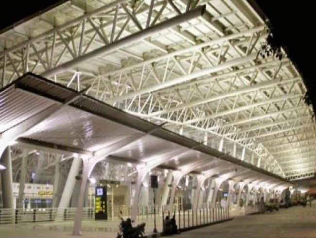 Chennai: Woman's suicide bid at airport foiled