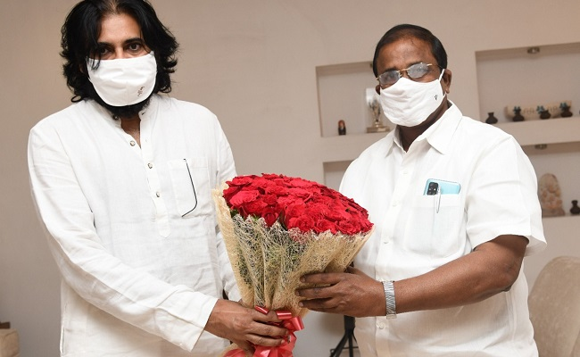 Veerraju Tries To Convince Pawan On Amaravati!