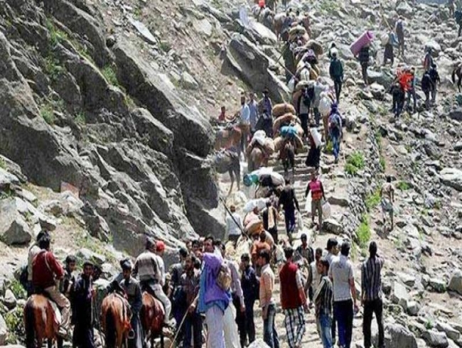 5 pilgrims killed in landslide on Amarnath Yatra route, Rajnath Singh expresses grief