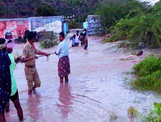 Rains wreak havoc in Anantapur and Kurnool