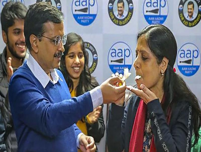 Thank you, Delhi, for best birthday gift: Kejriwal's wife