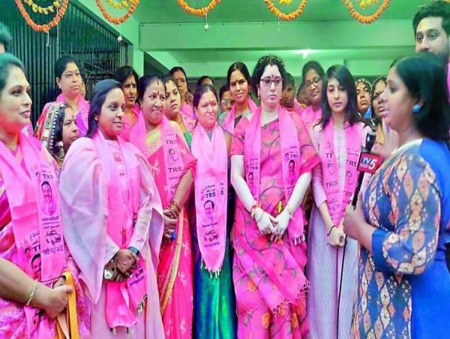Padma Rajagopal campaigns for 'Nagender anna'