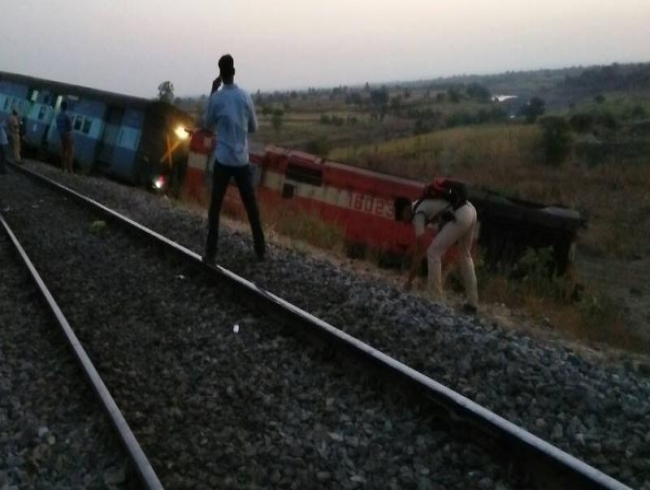 Hyderabad-Aurangabad passenger train derails in Karnataka, no one hurt