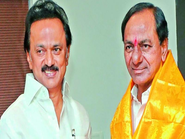 DMK says no to Federal Front: Stalin wants KCR to back Congress-led UPA
