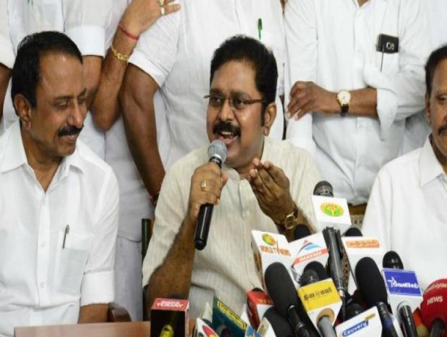 For Sasikala and Dhinakaran, lust for power proved Achilles heel