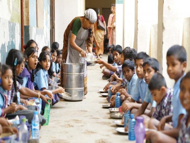 Rooting out hunger from classrooms, says Akshaya Patra