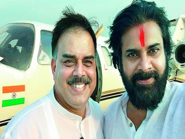 Nadendla Manohar joins Pawan Kalyan party