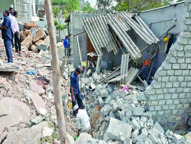 Telangana: Detonator goes off at construction site, 1 hurt
