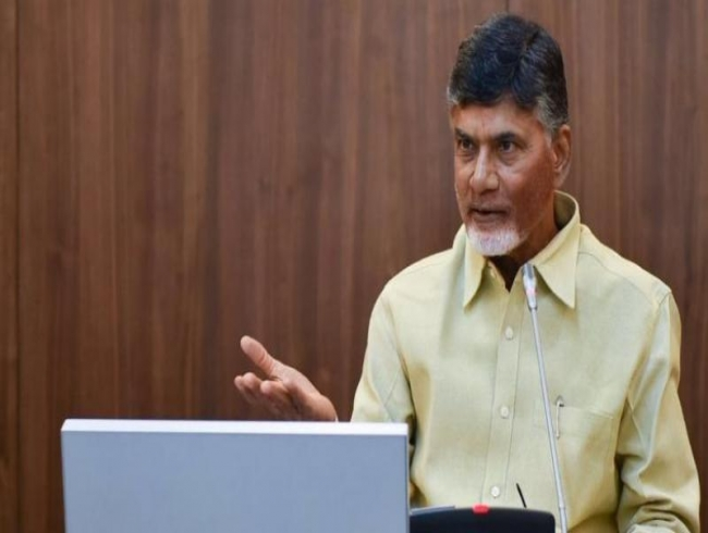 YSRC leader takes a low dig at N Chandrababu Naidu