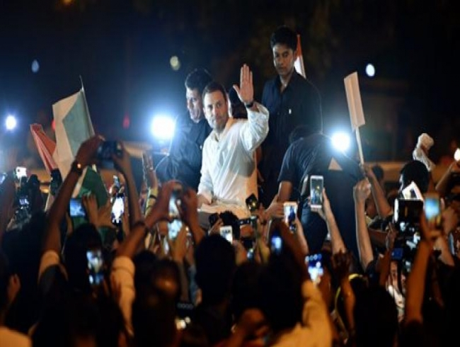Rahul, Priyanka hold midnight march for justice in Kathua, Unnao rape cases
