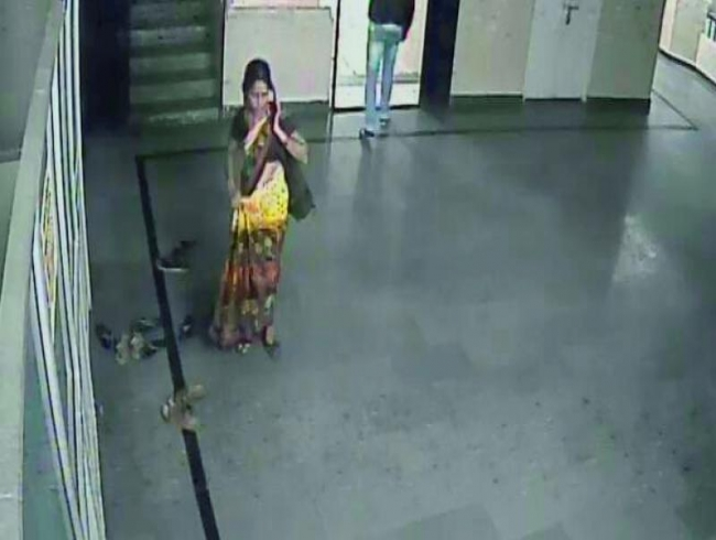Telangana: Kidnapper walks out of hospital with baby