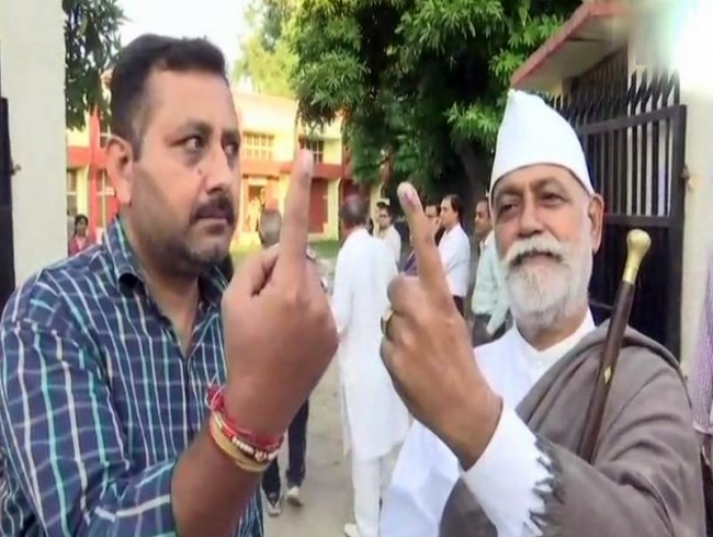 Amid terror threats, NC, PDP boycott, first phase of J&K municipal poll begins