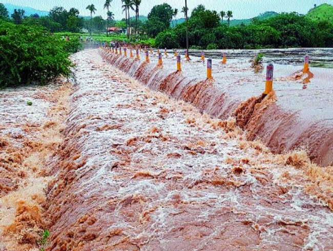 Chirravati River overflowing in Anantapur