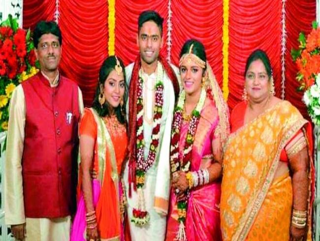 Surya Kumar Yadav makes his parents proud