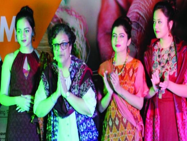 Women of weaves