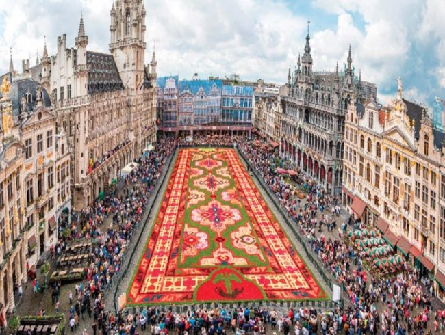 Around the world in a floral carpet