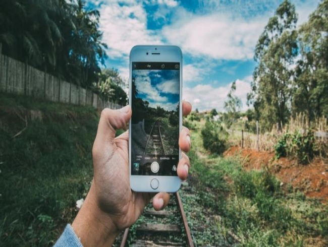 3 students taking selfies crushed by speeding train; India has most selfie deaths