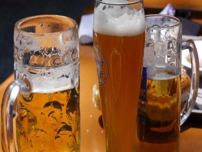 Here's why men are more at risk of becoming alcoholic