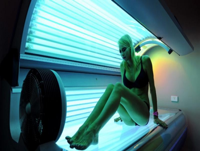 Health watchdog in France calls for ban on sunbeds to tackle skin cancer