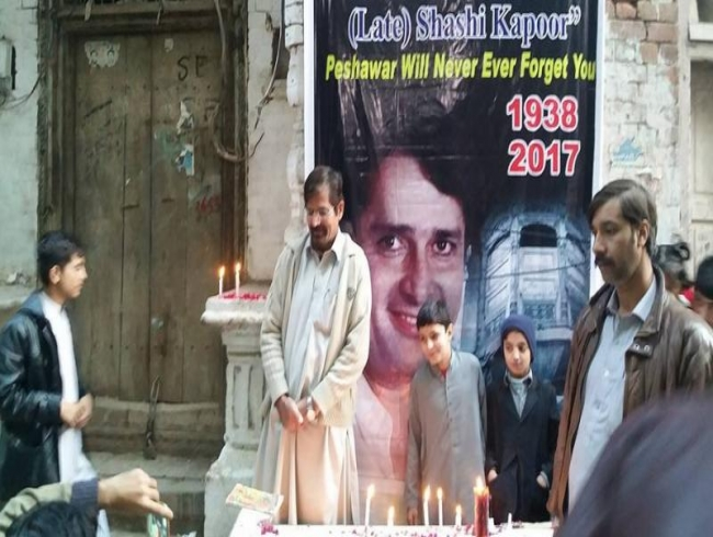 Candle vigil held in memory of Shashi Kapoor outside ancestral home in Pakistan
