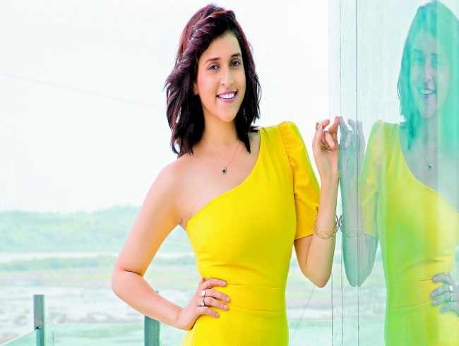Mannara is all praise for Teja