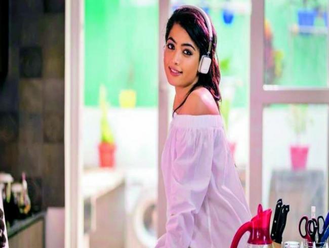 Will Rashmika Mandanna do Akhil's film?