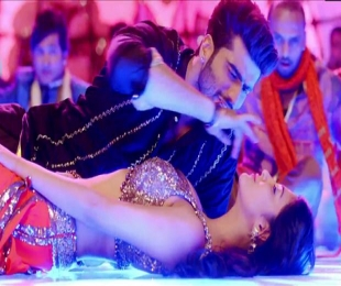 Watch: Shruti Haasan and Arjun Kapoor's sizzling 'tevar' in 'Madamiyan'