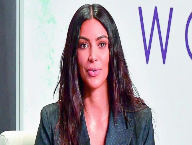 Kim Kardashian West visits inmates