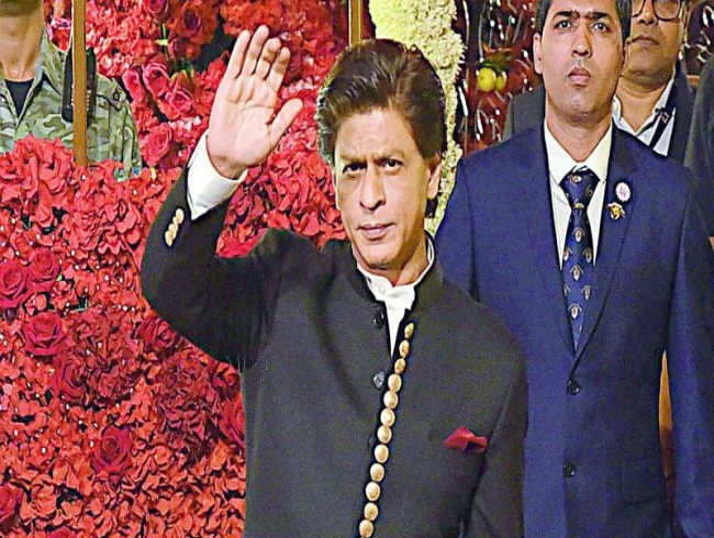 Shah Rukh Khan to take decision on his next film by June