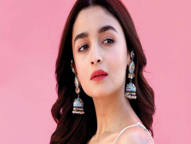 Alia Bhatt 'petrified' to be directed by her father