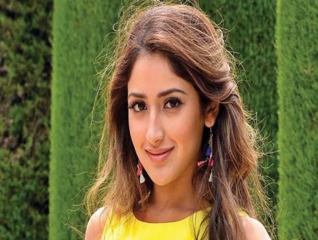 After Karthi, Sayeesha Saigal to romance Suriya?