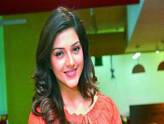 Mehreen Kaur to romance Gopichand
