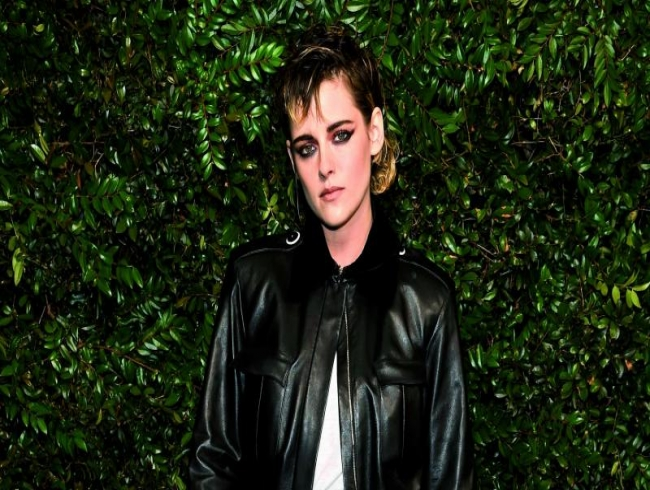 Kristen Stewart rebels again