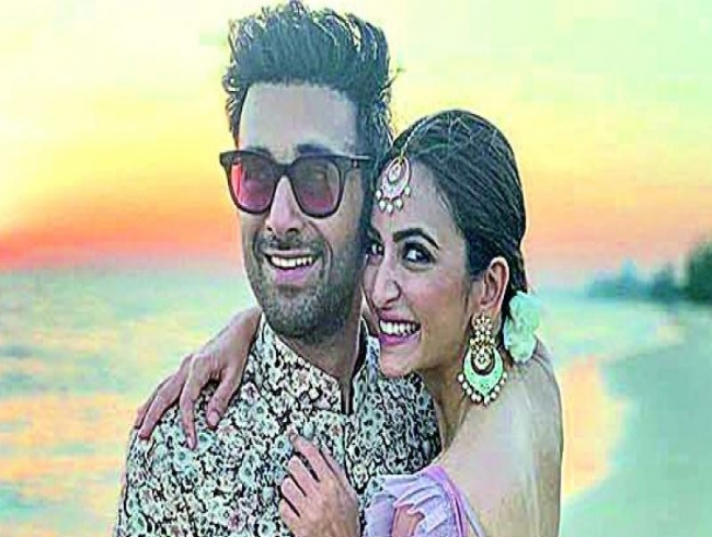 Pulkit-Kriti go to marriage hall