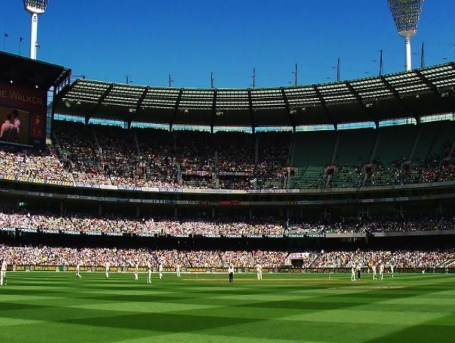 Bushfire charity match shifted from SCG to Melbourne, postponed to Sunday