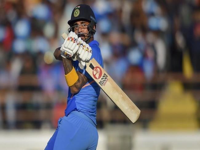 India vs Australia: Dhawan misses ton as Kohli, KL Rahul guide India to 340/6