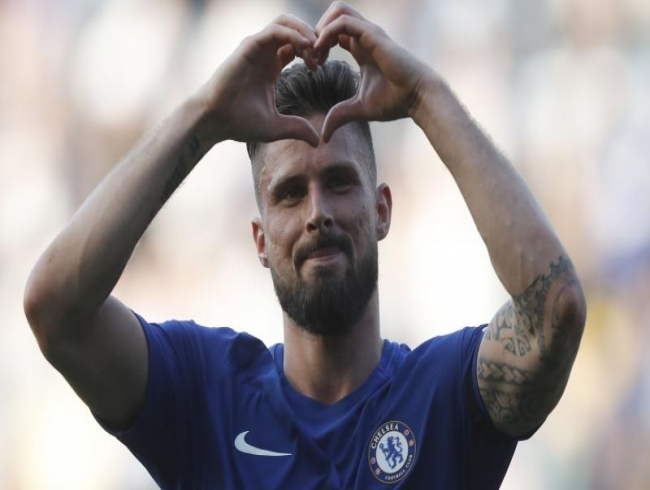 Premier League: Olivier Giroud sinks Liverpool to keep Chelsea's top four bid alive