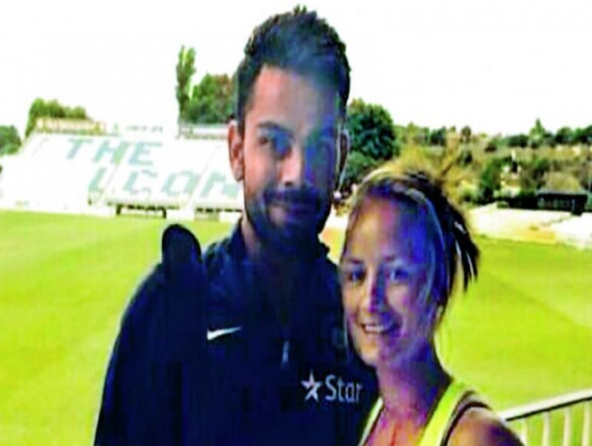 She proposed to Kohli… and he gifted his willow