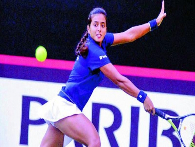 Fed Cup: Ankita Raina wins but Indians trail Chinese after Day 1
