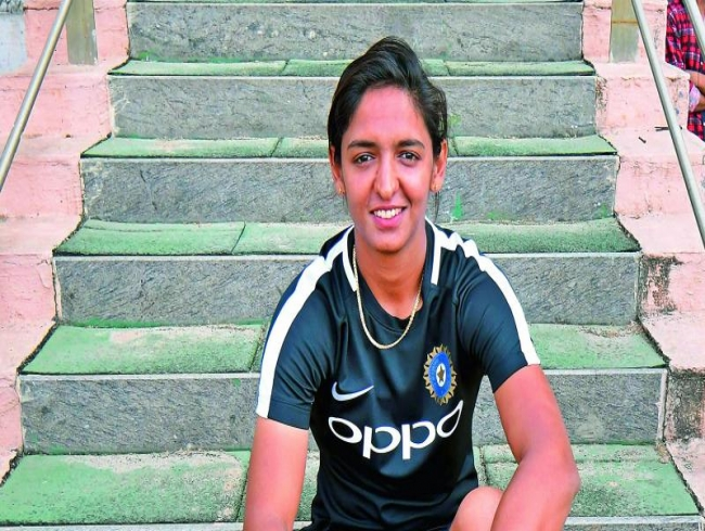 Fake degree woes for Indian skipper