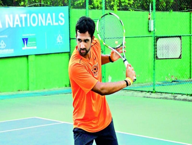 Smooth sailing for top seeds on second day