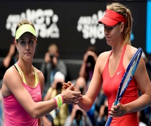 Australian Open: Sharapova schools Bouchard to advance in Melbourne