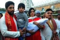 Allu Arjun & family@Tirumala Albums