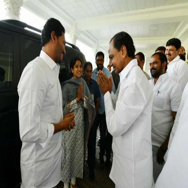Jagan Meets KCR
