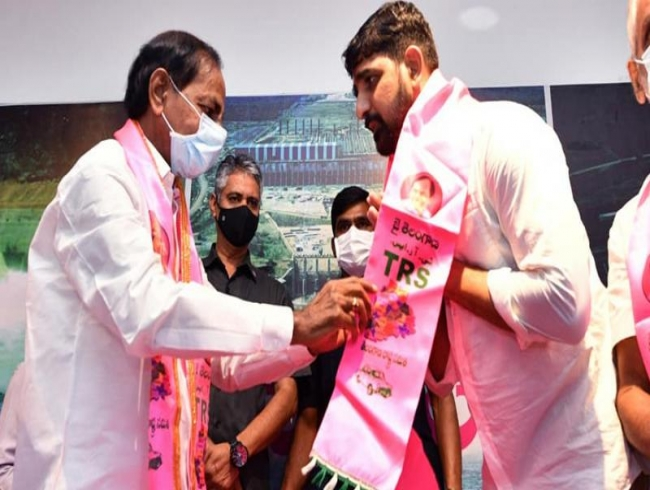 TRS' new entrant Kaushik Reddy nominated as MLC under Governor's quota