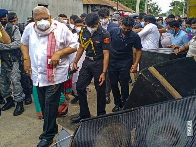 West Bengal Governor Jagdeep Dhankhar ignores Mamata view, visits riot-hit areas