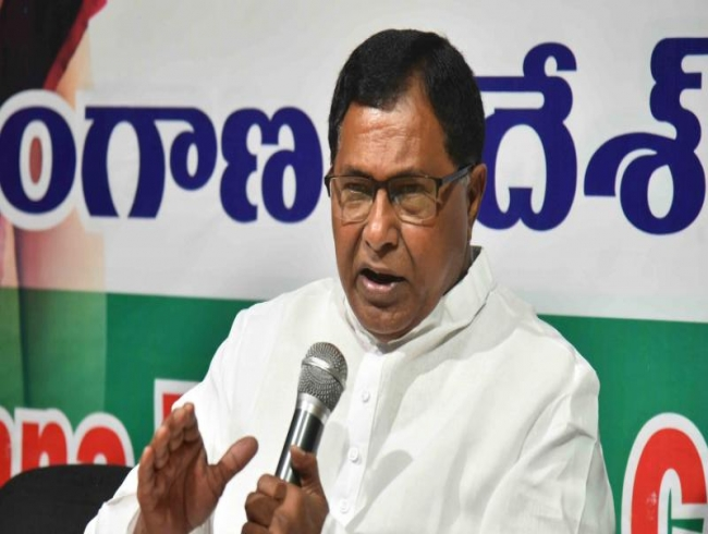 KCR renamed Congress schemes and fooled people, says Jana Reddy