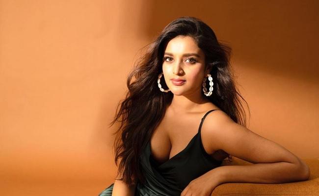 Pawan Kalyan's Heroine Promoting Herself