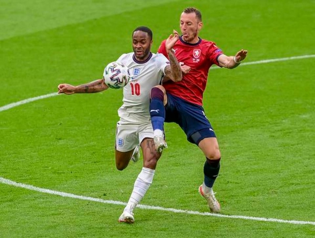 England get the job done with 1-0 win over Czechs